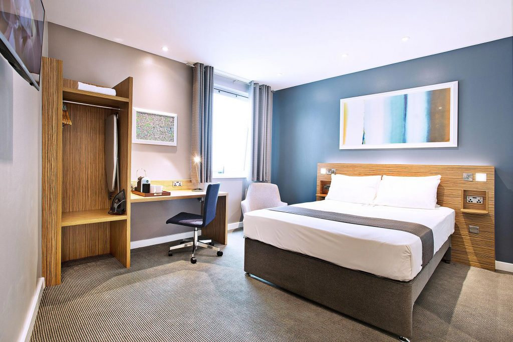 Travelodge SuperRooms refitted by TROY group - interior bedroom shot with desk